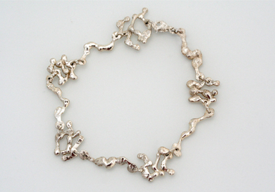 A picture of a linked bracelet